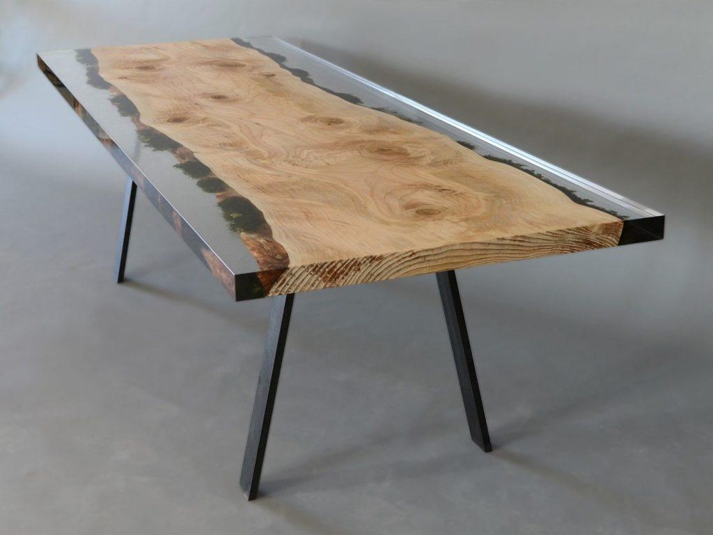 стол-консоль с прозрачной эпоксидкой
