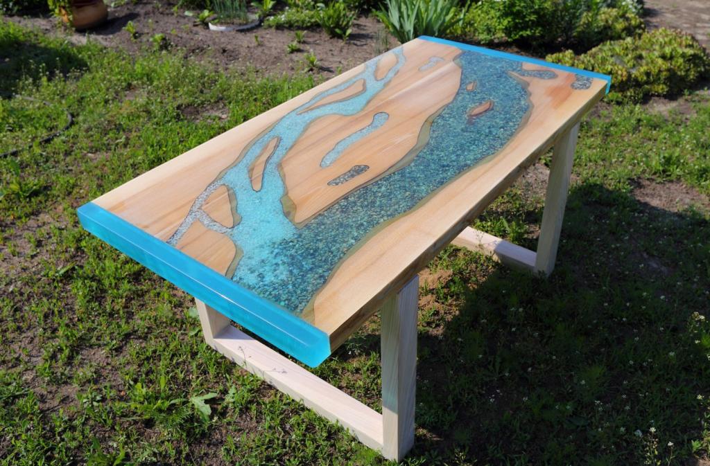 стол-река