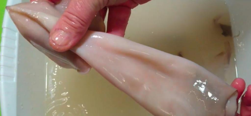 Как почистить кальмар: этап 5