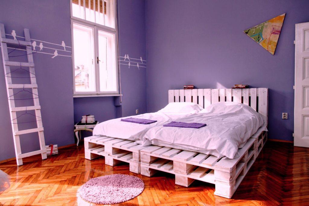 кровать из поддонов 2 в 1