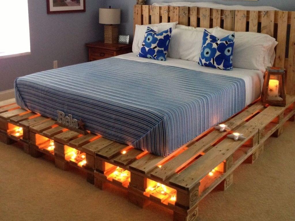 кровать из поддонов с изголовьем и подсветкой