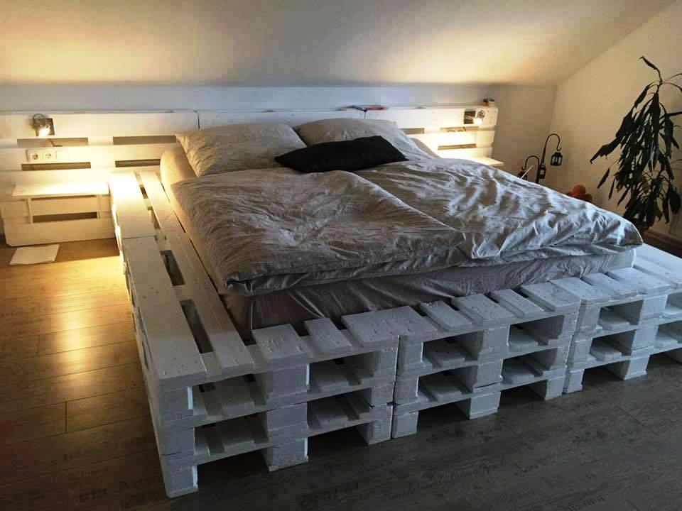 кровать из поддонов японский стиль