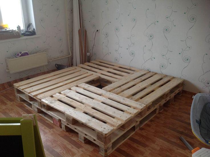 кровать из 4 паллет
