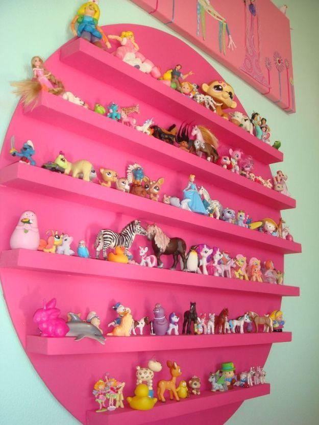 Полка для хранения коллекции куколок