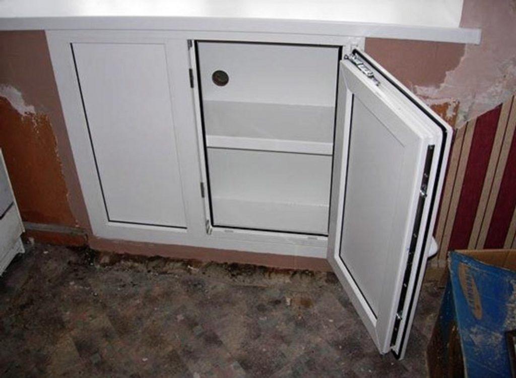 Дверца из металлопластика