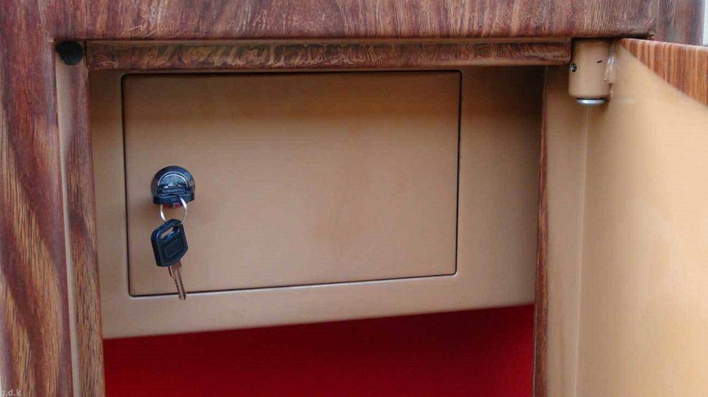 Встроенный сейф