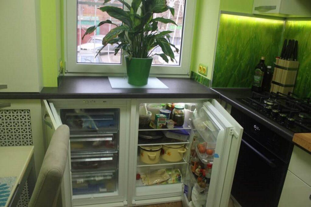 Холодильник и морозильная камера в нише