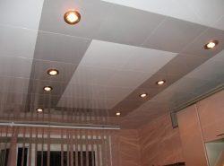 Кассетный потолок – это отделка, устойчивая к действию агрессивной среды, влаги, легкая и доступная для монтажа
