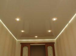 Парящий натяжной потолок станет прекрасным решением для тех, кто желает внести в интерьер оригинальные нотки