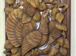 Деревянное панно станет отличной изюминкой в вашем помещении