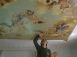 Потолок - это особая область квартиры, к которой стоит уделить внимание