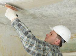 Шпаклевание - это простой и эффективный метод выравнивания потолочной поверхности