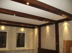 Декоративные балки являются неплохим элементом для оформления потолка и создания интересного и неповторимого интерьера комнаты