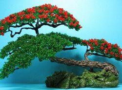 Миниатюрные деревья из бисера украсят любой интерьер или станут оригинальным подарком близкому человеку