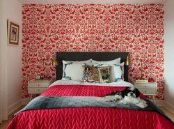 Выбирая обои для спальни, следует учитывать не только красоту и изящество рисунка, но и  обратить внимание на технические характеристики покрытия