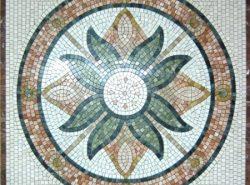 Мозаичное панно с давних времен служит прекрасным украшением для любого жилища