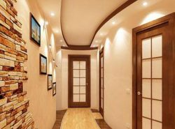 Подвесной потолок - это отличная возможность стильно преобразить прихожую