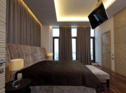 Крепление телевизора на потолок не только украсит ваш интерьер, но и подчеркнет оригинальный дизайн комнаты