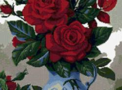 Рукодельницы, которые занимаются вышивкой не один год, обязательно имеют в своей коллекции картину с розами