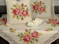 Текстильные изделия, вышитые крестом, не только украсят интерьер, но и создадут уютную атмосферу в доме