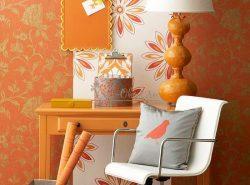 Оранжевые обои — отличный способ освежить интерьер и внести в него яркие нотки