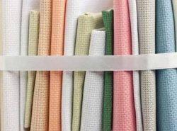 Основными материалами для художественной вышивки являются ХБ, пластик, лен и рогожка