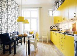Красивые обои разнообразят и украсят интерьер на кухне