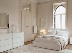 Спальня в белом цвете - это не только красиво, но и уютно, и стильно