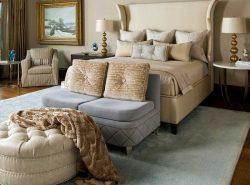 Красивый и оригинальный пуф прекрасно впишется в интерьер любой спальни