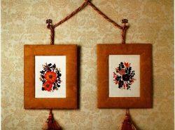 Вышивки крестом в мини-формате с легкостью украсят стены гостиной или любую деталь гардероба