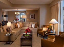 Красиво обустроить можно любую гостиную, независимо от ее размеров и особенностей