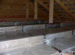Качественная изоляция потолка и стен является обязательным условием успешного строительства