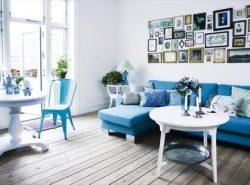 Дизайн гостиной в сине-белом цвете идеально подойдет для тех, кто любит строгость и порядок