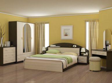 К выбору гарнитура в спальную комнату нужно подходить с особым вниманием: мебель  дополняет дизайн помещения, делает его функциональным и практичным