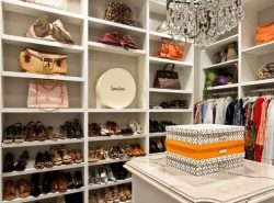 Гардеробная комната - идеальное место для хранения одежды, белья и аксессуаров