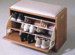 Банкетка в прихожей – это прекрасный способ быстро и компактно спрятать обувь