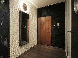 Материал для отделки стен в прихожей должен быть практичным и прочным