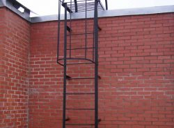 При производстве пожарных лестниц строго придерживаются ГОСТа