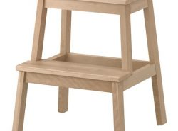 Табурет-лестница является отличным приспособлением для ежедневного использования в домашних условиях