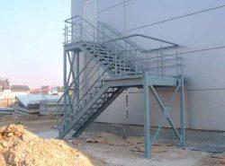 Пожарная лестница должна быть качественной, прочной и надежной