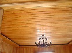 Деревянная вагонка - популярный натуральный материал,  который отлично сохраняет тепло, легко поддается окрашиванию и смене фактуры, создает особый микроклимат в помещении
