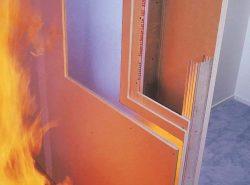 Огнестойкий гипсокартон состоит из картонного и гипсового слоя, которые обработаны специальными веществами