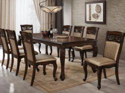 Обеденный стол - обязательная составляющая каждой гостиной или кухни