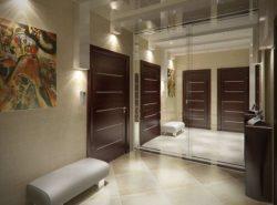 Правильно подобранный стиль сделает коридор уютным и красивым