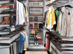Гардеробная необходима для того, чтобы можно было сохранять все свои вещи в одном месте