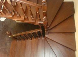 Лестницы с забежными ступенями обладают хорошими эстетическими качествами и длительным сроком эксплуатации