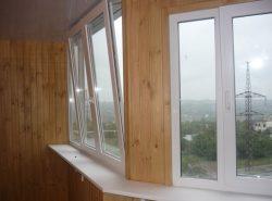 При обустройстве балконного помещения особое внимание следует уделить выбору подходящих окон