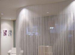 Нитяные шторы можно приобрести в любом специализированном магазине