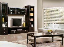 Существует широкое разнообразие горок в зал, которые отличаются по цвету, форме, цене и материалу, из которого они изготовлены