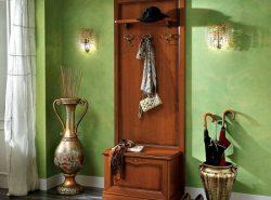 Аксессуары для прихожей можно найти в специализированных магазинах или поискать оригинальные предметы на рынке